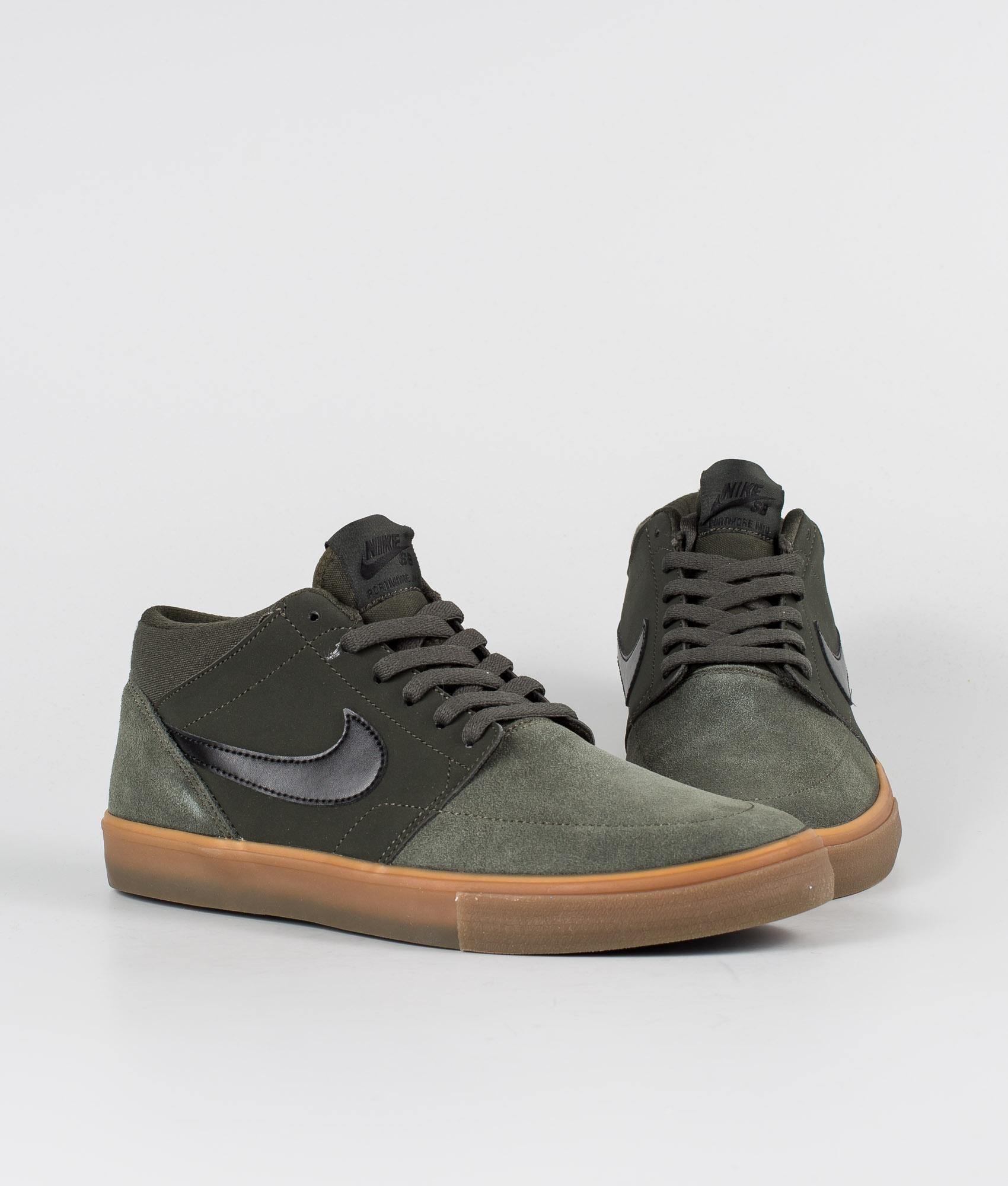 Nike SB Solarsoft Portmore ll Mid Skateboarding Sneaker SequoiaBlackGum Med Brown