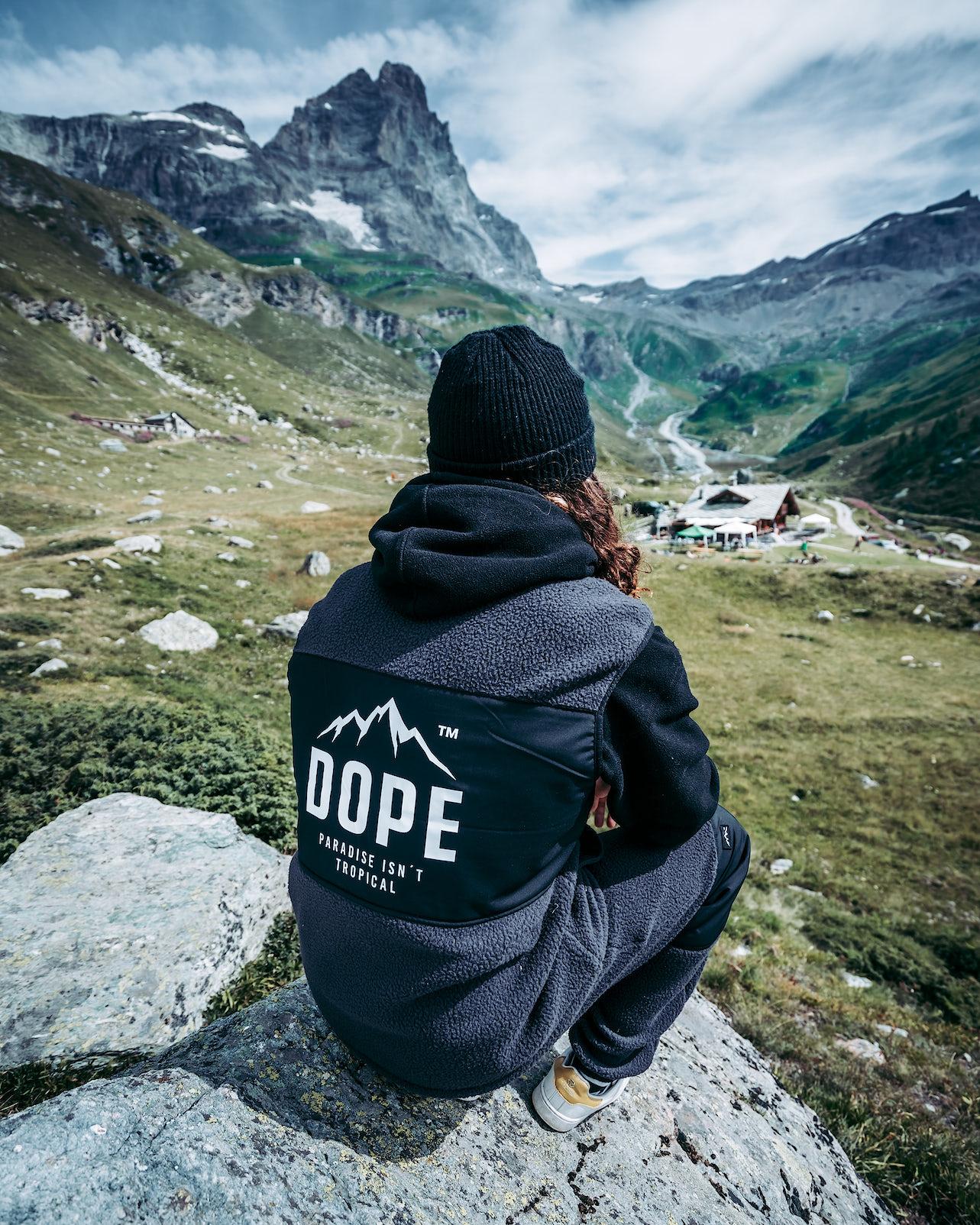 Köp Ollie Väst från Dope på Ridestore.se Hos oss har du alltid fri frakt, fri retur och 30 dagar öppet köp!