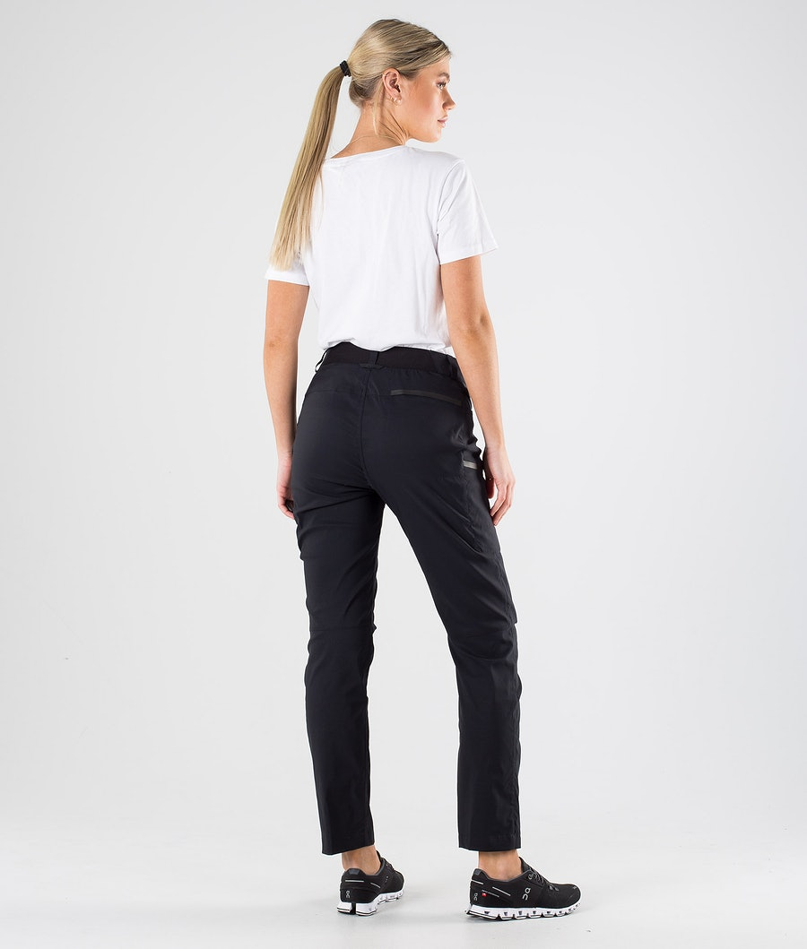 Peak Performance Iconiq Cargo Pantaloni Donna Black