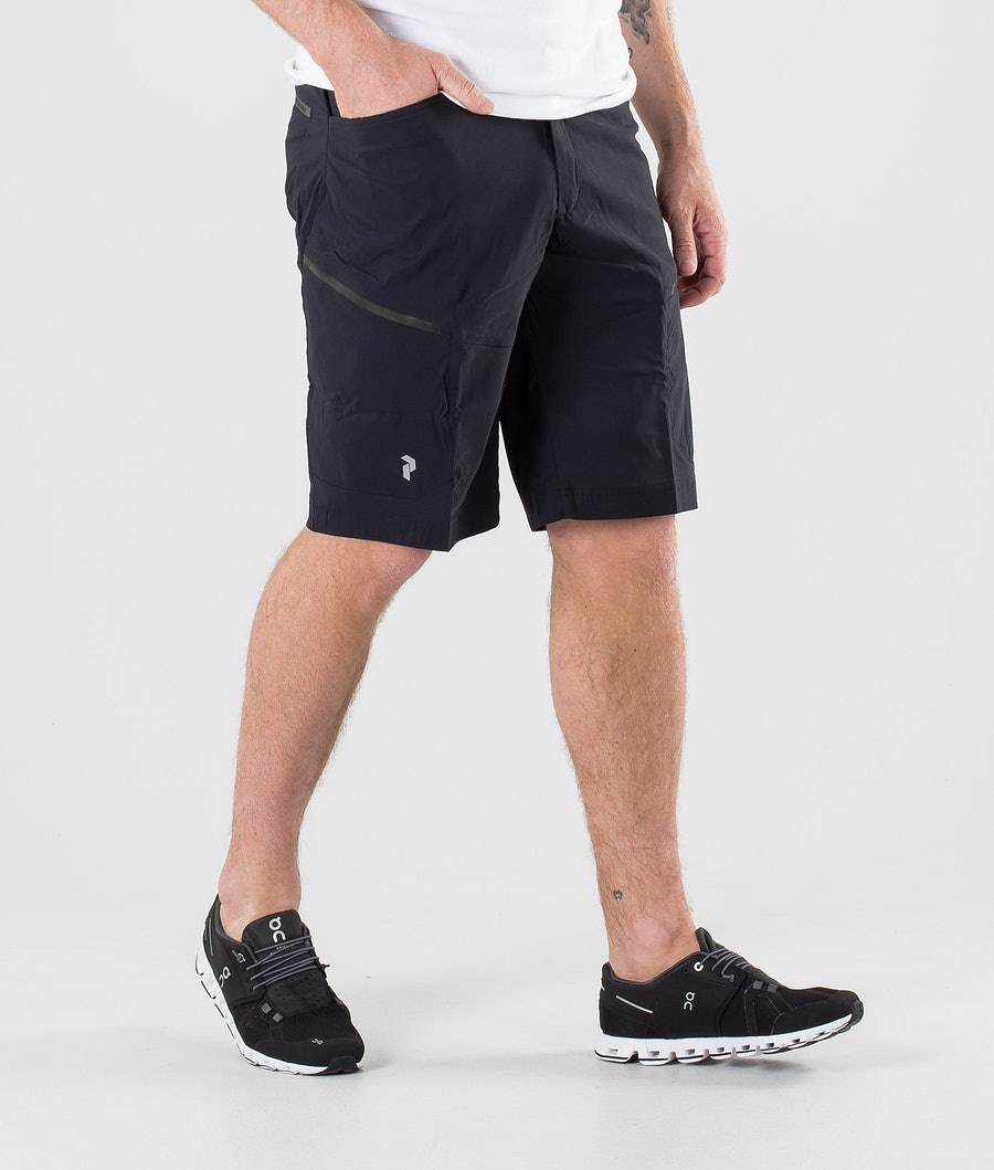 Peak Performance Iconiq Cargo Sortsit Black