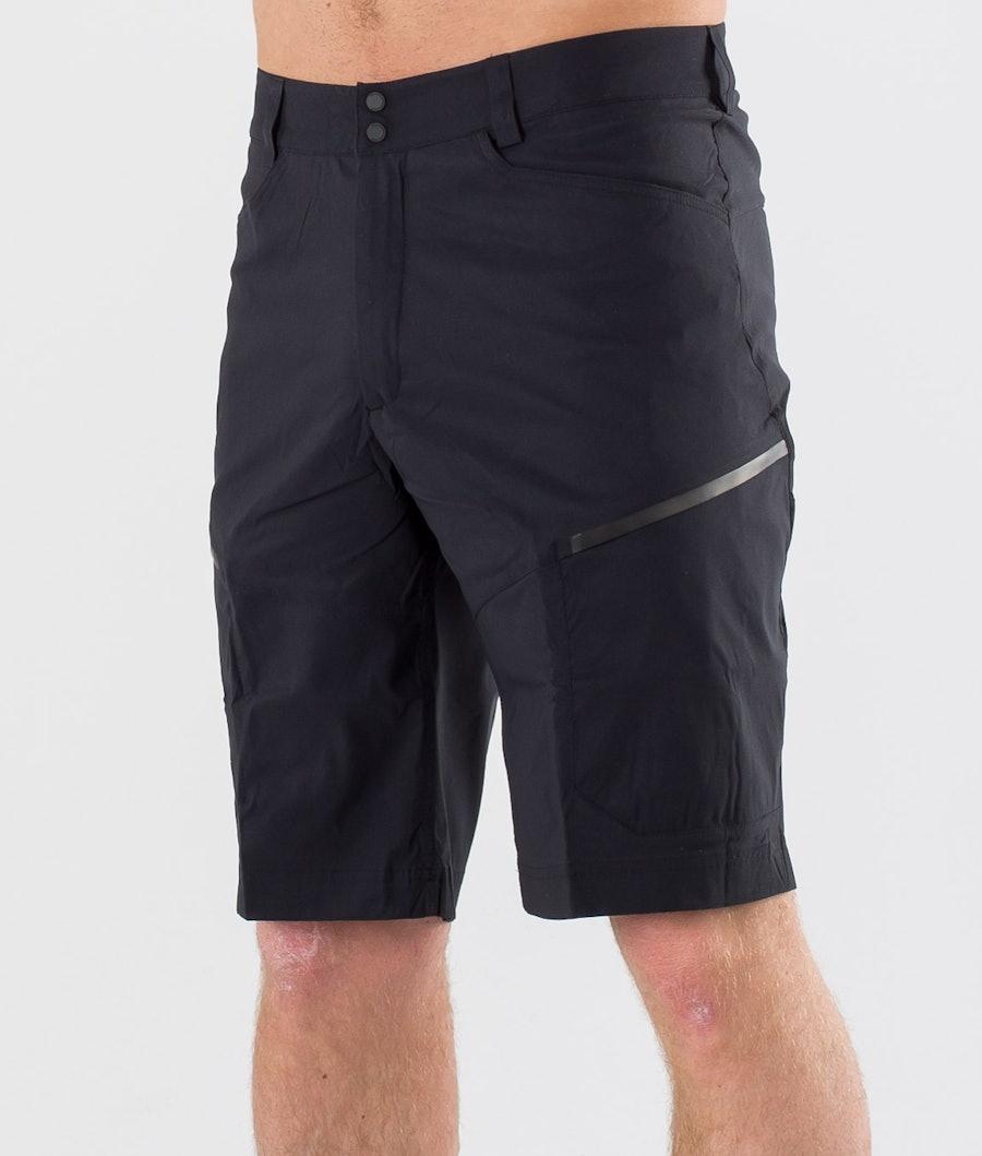 Peak Performance Iconiq Cargo Shorts Black