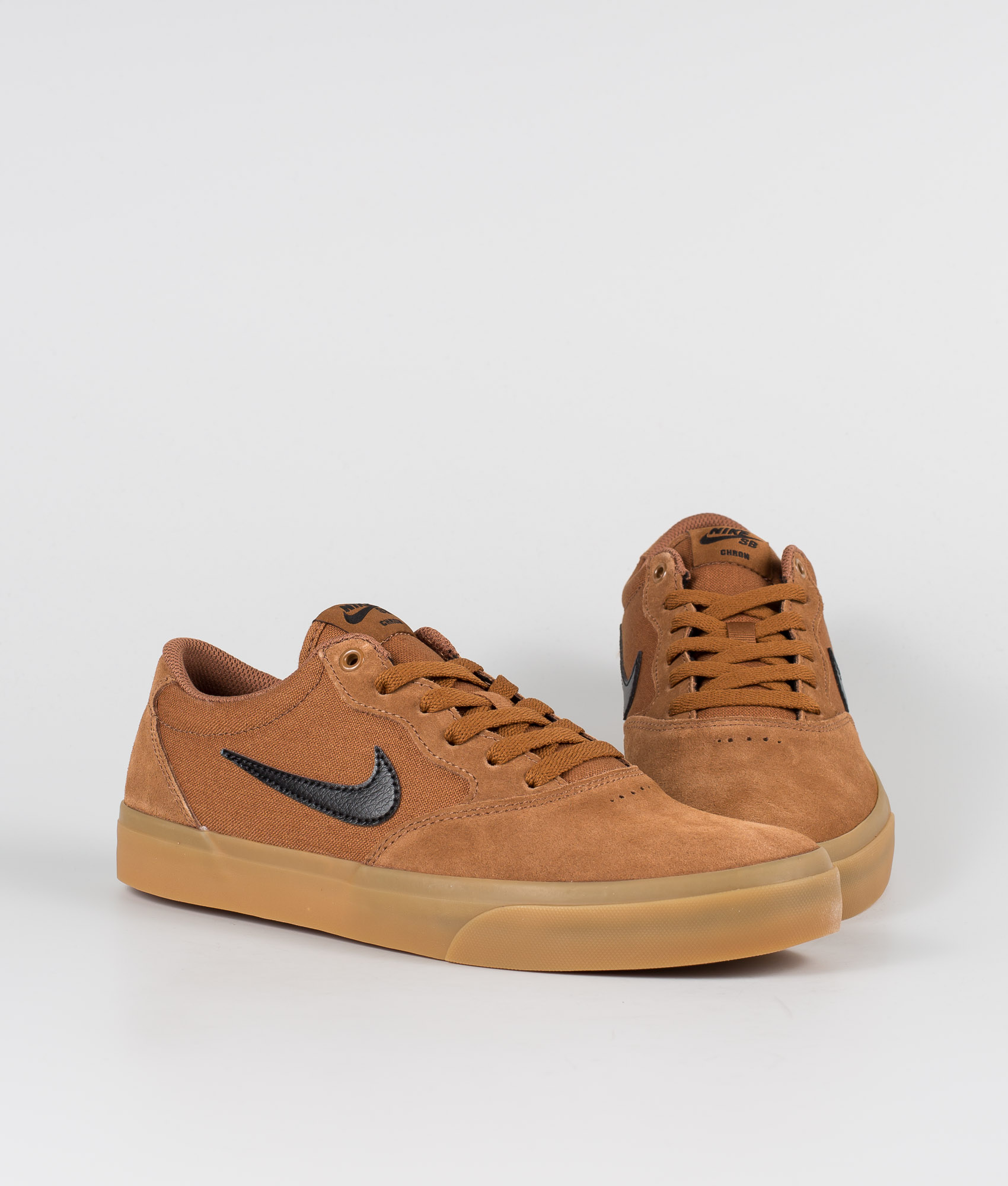 NIKE SB TEAM EDITION WHITE BLACK GUM LIGHT BROWN