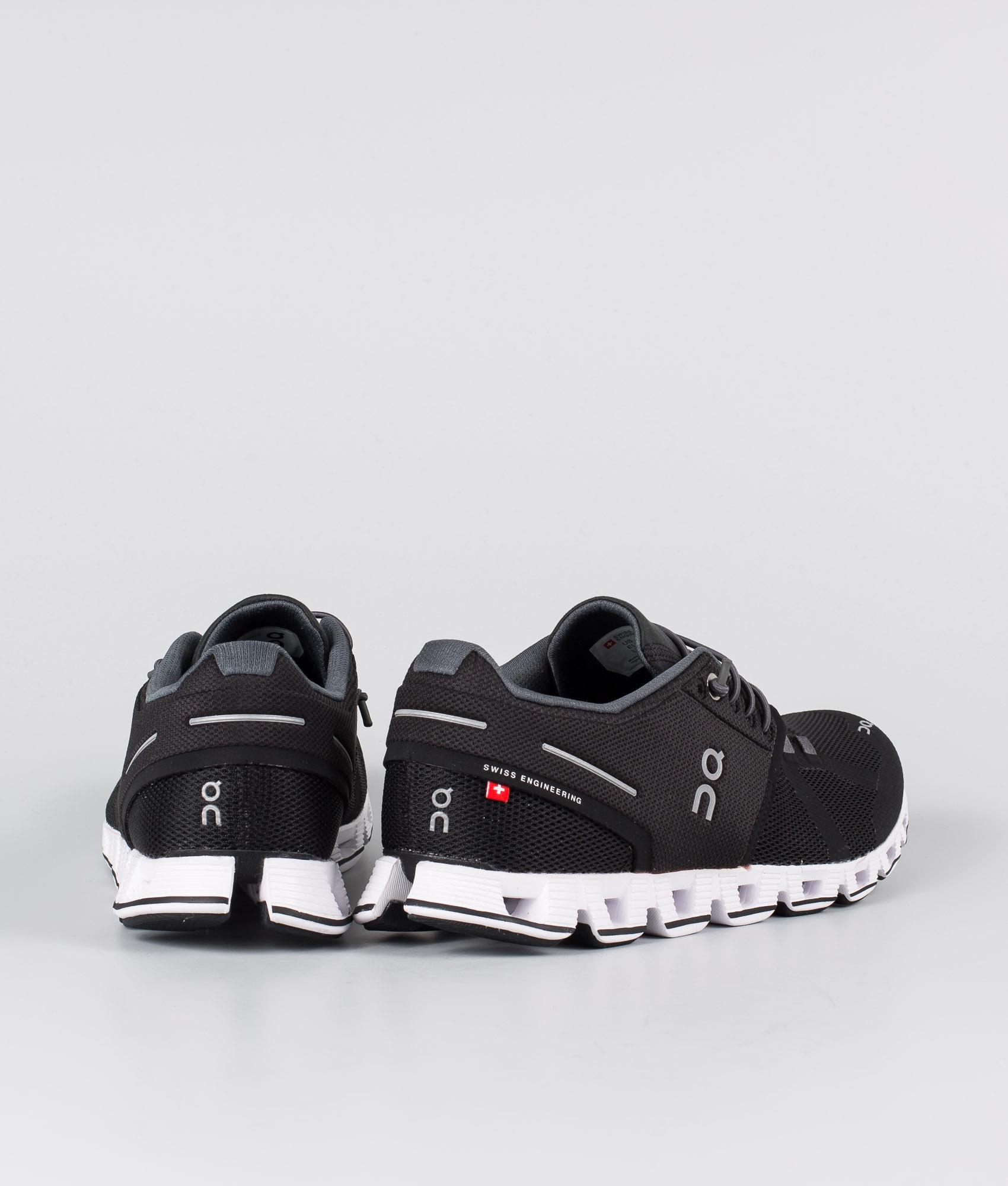 On Shoes W Cloud Sko BlackWhite Ridestore.no