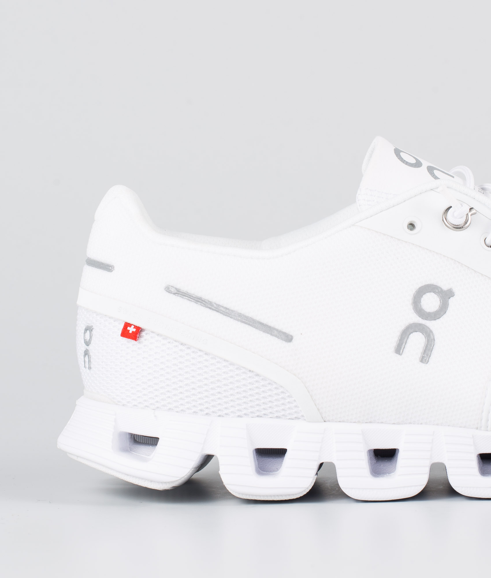 On Shoes Cloud Skor All White