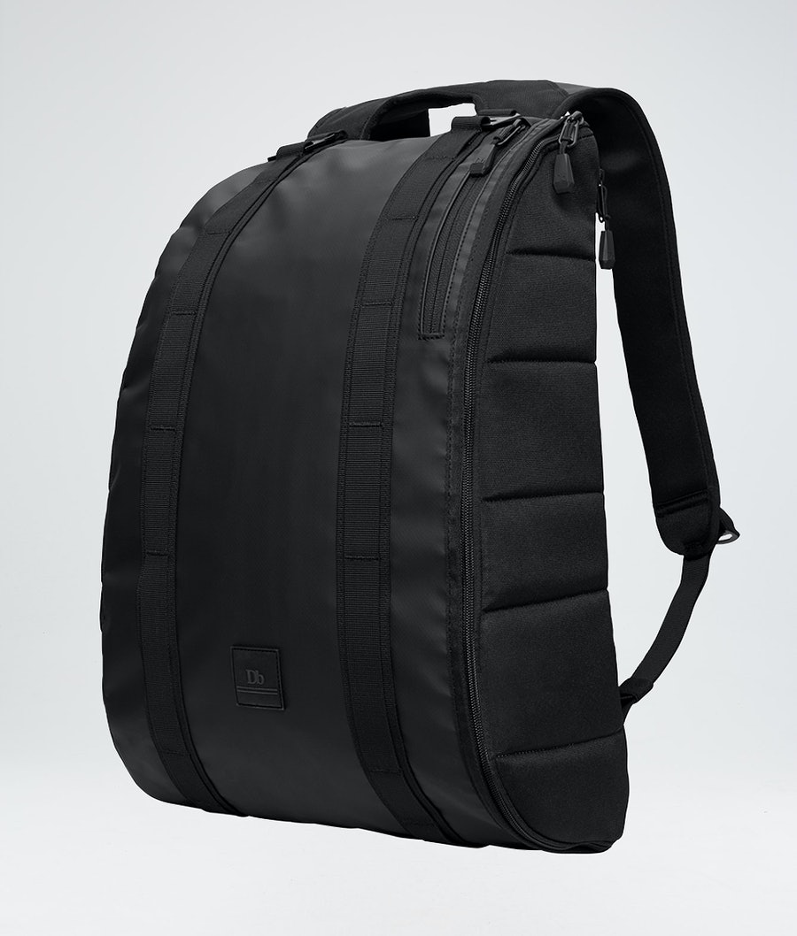 Douchebags Base 15L Väska Snow Black Out