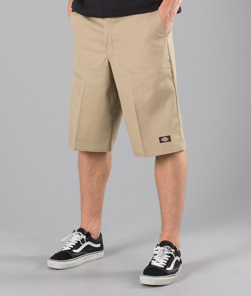 Kjøp 13 Inch Multi Pocket Work Shorts Shorts fra Dickies på Ridestore.no - Hos oss har du alltid fri frakt, fri retur og 30 dagers åpent kjøp!