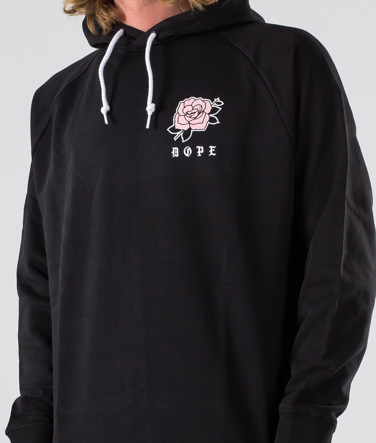 Kjøp Rose Hood fra Dope på Ridestore.no - Hos oss har du alltid fri frakt, fri retur og 30 dagers åpent kjøp!