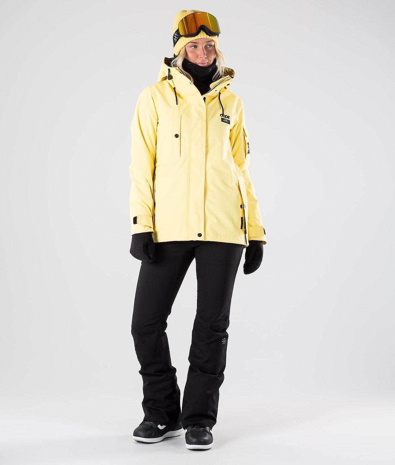 Kjøp Adept W Snowboardjakke fra Dope på Ridestore.no - Hos oss har du alltid fri frakt, fri retur og 30 dagers åpent kjøp!