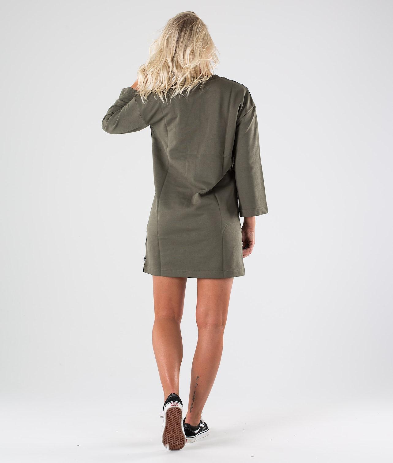 Kjøp Chromo II Dress Kjole fra Vans på Ridestore.no - Hos oss har du alltid fri frakt, fri retur og 30 dagers åpent kjøp!