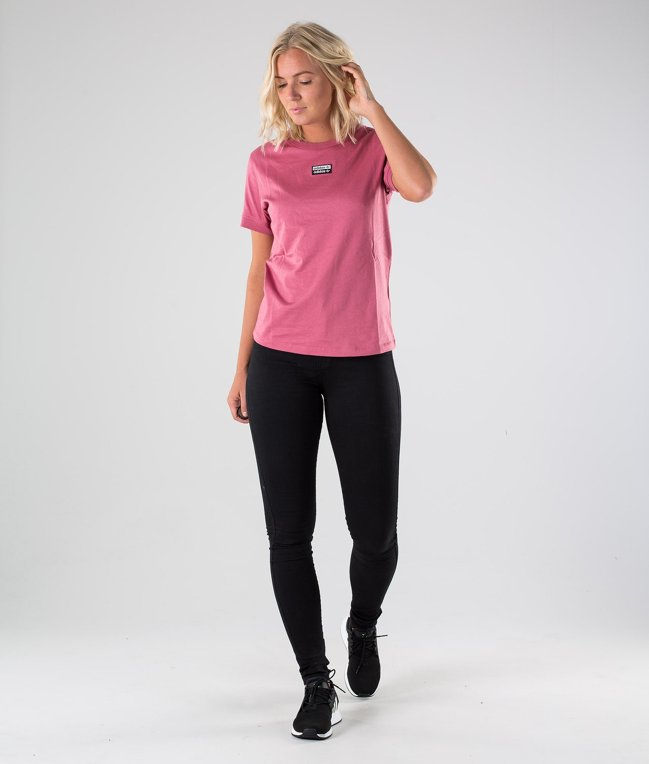 Kjøp T Shirt T-shirt fra Adidas Originals på Ridestore.no - Hos oss har du alltid fri frakt, fri retur og 30 dagers åpent kjøp!