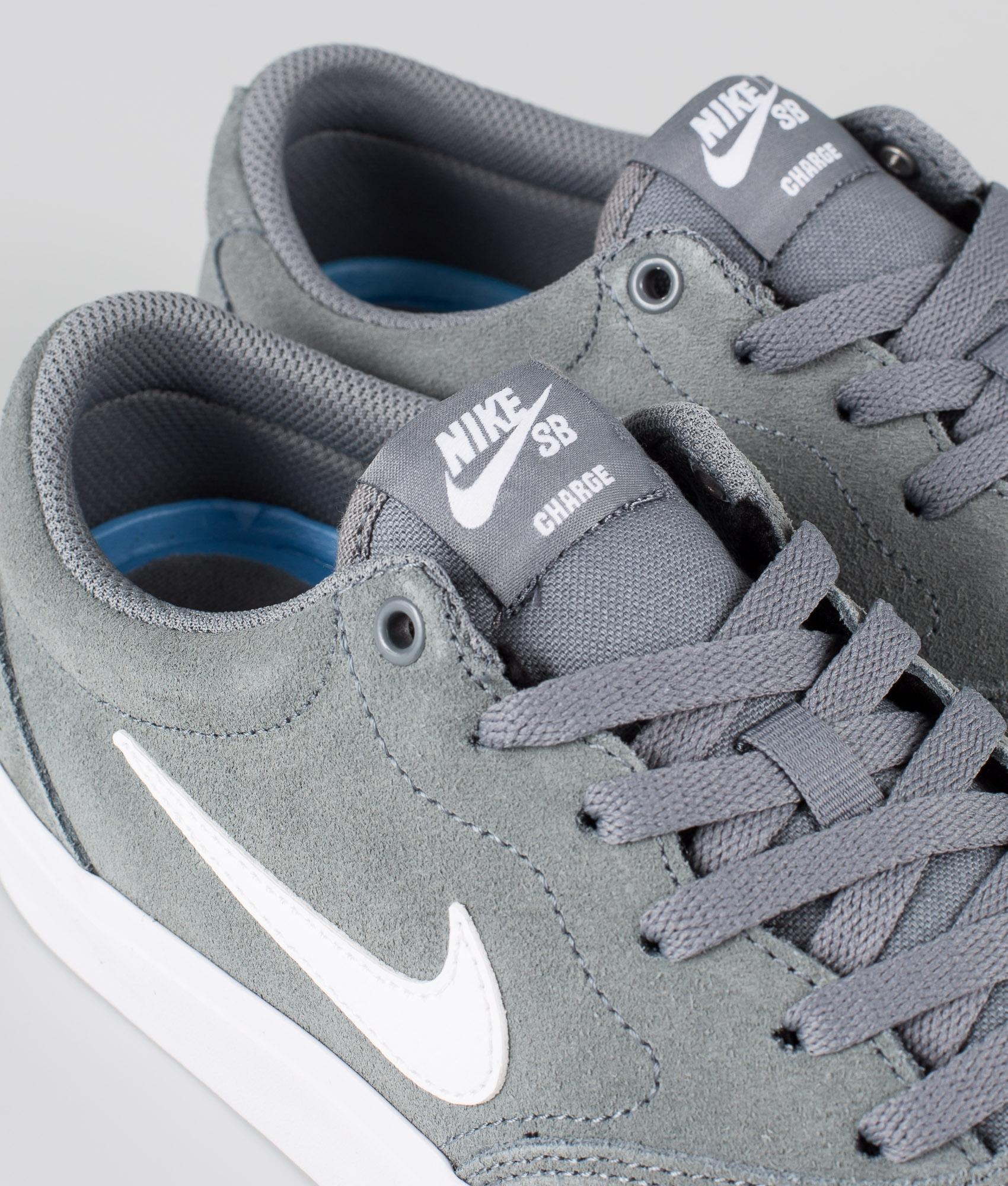 Nike SB Charge Suede Skor Cool GreyWhite Cool Grey White