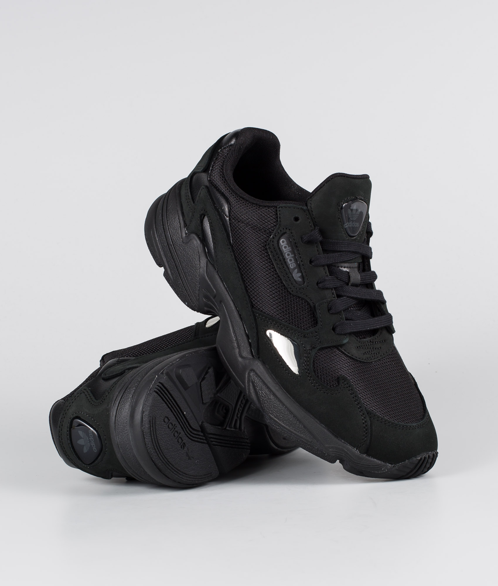 flotador Premonición Mejor  Adidas Originals Falcon Shoes Core Black/Core Black/Grey Five -  Ridestore.com